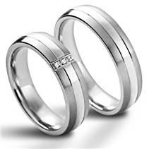 NSS1021 Dámský snubní prsten se zirkony