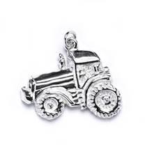 Stříbrný přívěšek - traktor