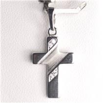 Stříbrný přívěšek křížek se zirkony