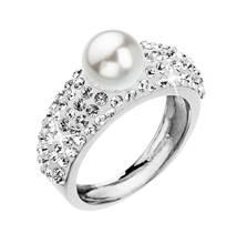 Stříbrný prsten se čirými kamínky Crystals from Swarovski® a bílou perlou