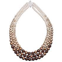 Trojitý perlový náhrdelník Crystals from Swarovski® hnědý