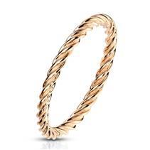 Zlacený ocelový prsten kroucený